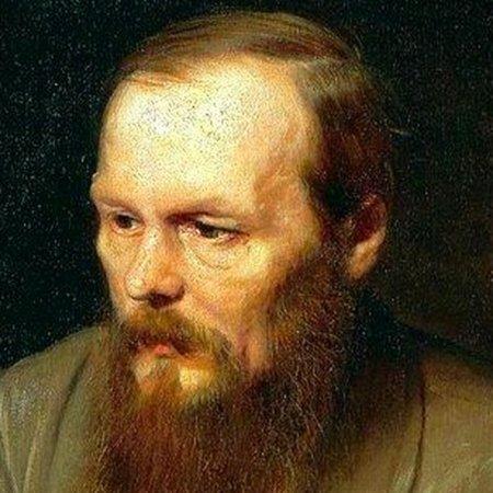 """Российские писатели ответили автору, назвавшему """"дерьмом"""" роман Достоевского"""