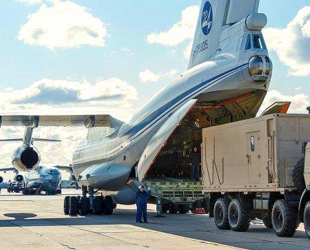 Самолет ВКС России привез 25,5 млн защитных масок из КНР