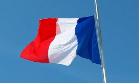 Дилерские центры во Франции откроются, так как правительство облегчает локдаун