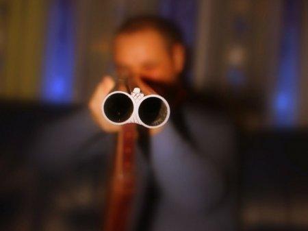 Житель Петербурга с балкона обстреливал улицу из охотничьего ружья
