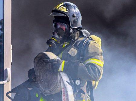 В Ленобласти потушили пожар в здании торгового центра