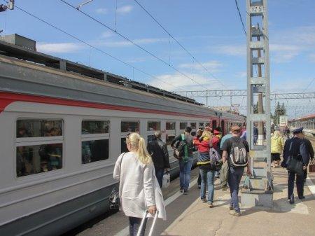 Из поездов хотят выгнать коробейников и музыкантов