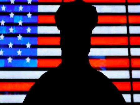 В США арестовали полицейского после смерти задержанного афроамериканца