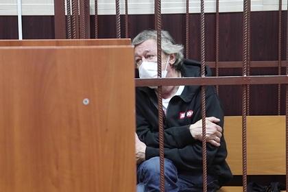 Адвокат Ефремова рассказал о препятствии связаться с семьей погибшего в ДТП