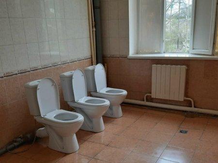 В Бурятии пациентам больницы после жалоб разрешили ходить в туалет не в ведро