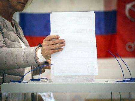 СМИ: В Петербурге зафиксировали вброс бюллетеней на голосовании