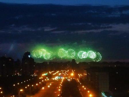 В Петербурге отмечают праздник выпускников «Алые паруса» (видео)