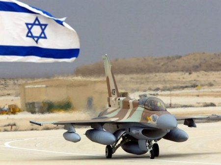Армия Израиля сообщила об авиаударе по боевикам в секторе Газа
