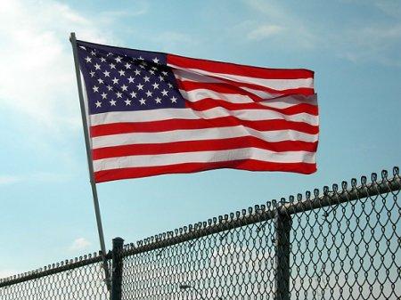 США пригрозили депортацией переведенным на дистанционку студентам-иностранцам