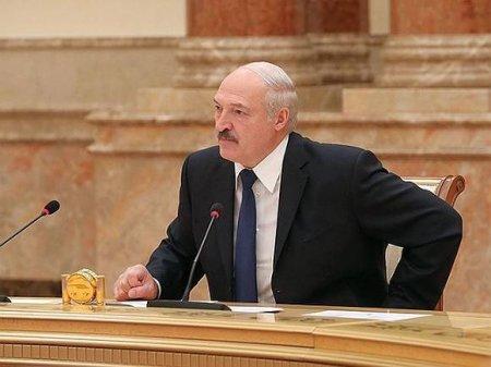 СМИ сообщили о госпитализации Лукашенко, Минск это отрицает