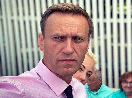 Муниципальные депутаты Петербурга и Ленобласти требуют разрешить транспортировку Навального
