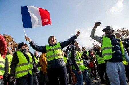 Во Франции задержали 200 человек на возобновившихся акциях «желтых жилетов»