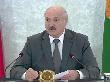 Bloomberg: Путин уверен, что Лукашенко не свергнут