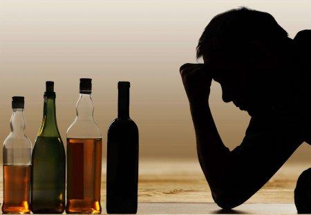 Наркологи рассказали, в чем отличия мужского и женского алкоголизма