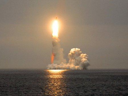 Трамп обвинил Россию в краже у США технологий для «супер-пупер-ракеты»