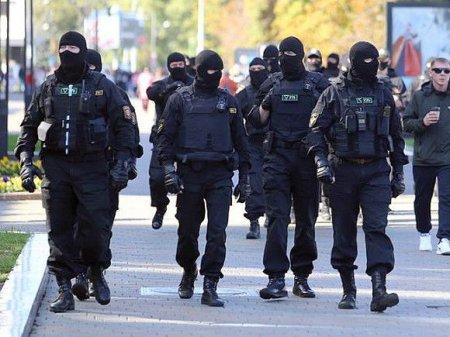 В Бресте жестко разогнали митинг: ОМОН распылял газ в лица протестующим и стрелял