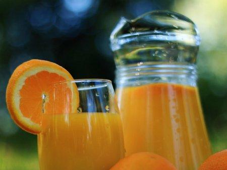 Медики рассказали, в чем опасность фруктовых соков