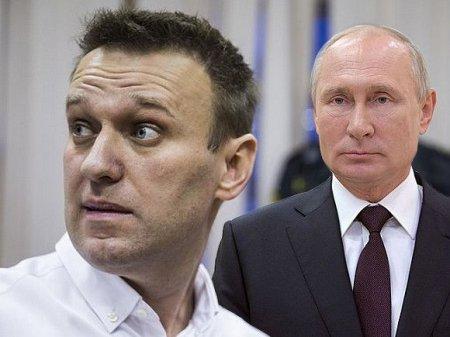 Политолог: Никто не возвышает Навального до Путина так, как это делает сама власть