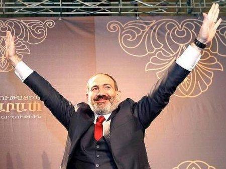 Пашинян вновь попросил президента Армении уволить главу Генштаба