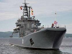 Два больших десантных корабля Северного флота вошли в Черное море