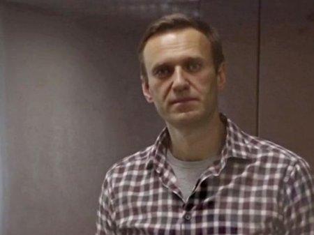 «Если пациент не может попасть к врачу, то врачи сами приедут к нему»: «Альянс врачей» собрался к Навальному