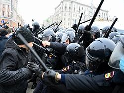 Росгвардия закупит дубинки-электрошокеры на 30 млн рублей для жесткого разгона митингов
