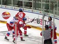 Чешские хоккеисты забросили четыре безответные шайбы в ворота россиян
