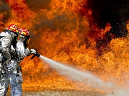 Растет число пострадавших при страшном пожаре на газовой заправке в Новосибирске (видео)