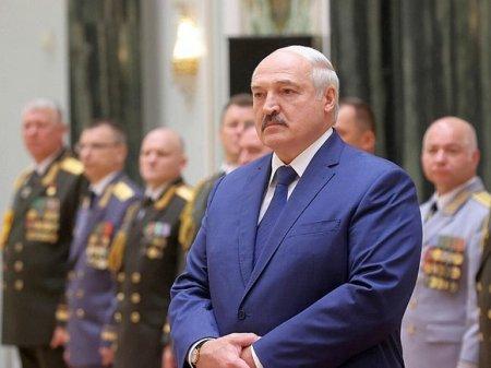 Лукашенко — военным: Деваться вам некуда