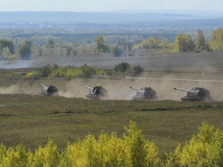 Россия отправила военных и танки к границе с Афганистаном (видео)