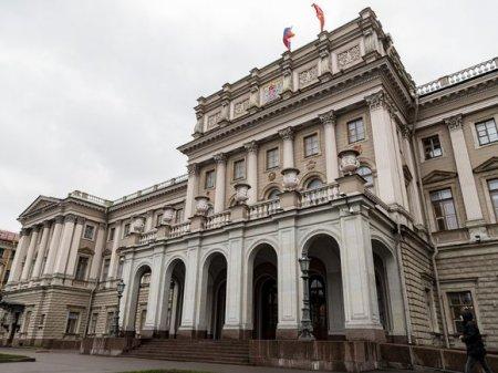 Заведующую комбинатом при Мариинском театре обвинили в получении взятки