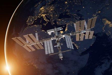 """Российские космонавты на МКС перейдут на американскую часть из-за проблем с """"Наукой"""""""