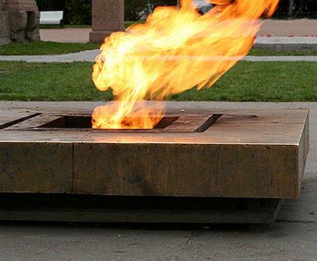 Пьяные подростки осквернили мемориал героям войны в Амурской области