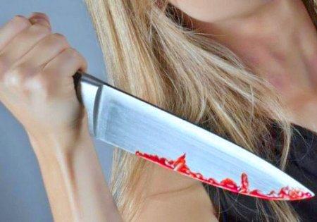 Жительница города Дно зарезала гостя из-за сдачи из магазина