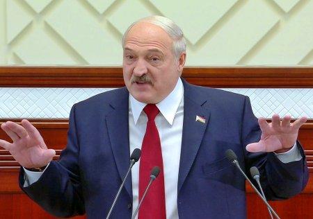 Лукашенко заявил, что референдум по новой редакции конституции страны пройдет в 2022 год