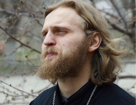 На шоу Малахова бывший священник из «Дома-2» назвал жену проституткой