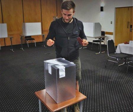 Первым отдавшим голос на выборах президента России стал автор «Ридуса»
