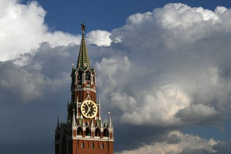 В День России 10 самолётов разгонят облака над Москвой