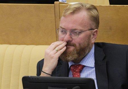 Милонов призвал проверять депутатов на алкоголизм при приёме на работу
